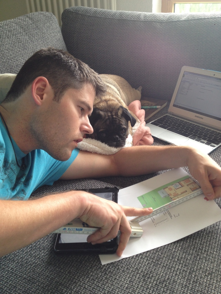 Abner helping Thorsten with some apartment planning :-P