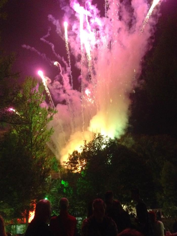 ooooooooo fireworks!!!!!